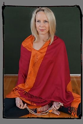 Gorgeous Pashmina in shades of Orange and Crimson hand printed with a Beautiful Mantra. From Squeezed Yoga Clothing http://squeezed.ca/shop/blazing-chakra-pashmina-scarf-with-mantra