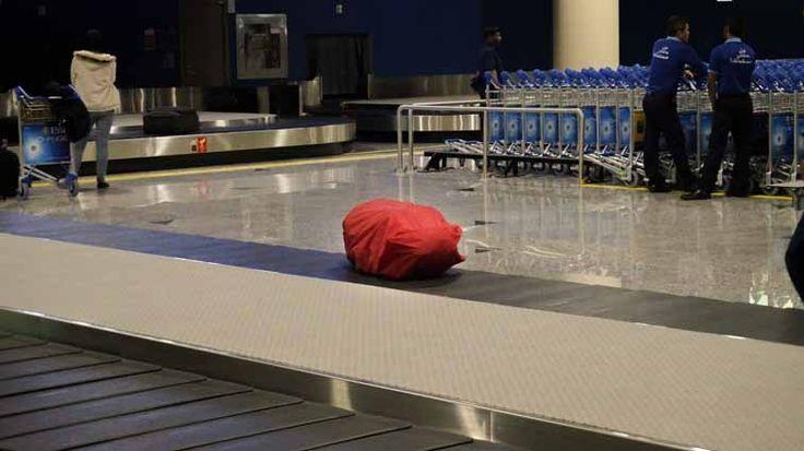 Je bent eruit, je gaat een geweldige reis maken. Maar dan komt de volgende vraag: Wat neem ik mee op reis?Of je nou gaat backpacken in Europa, Zuid-Amerika of Azië, een aantal backpack essentials mogen haast niet ontbreken in je backpacken. Hoewel je uiteraard prima zonder kunt, maakt het het backpacken net iets gemakkelijker. In deze reis checklist vind je een opsomming van handige items voor backpackers die standaard in onze backpacks zitten. En tijdens onze reis van (op dit moment) ruim…