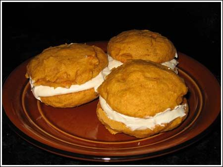 Last week a Cookie Madness reader mentioned a whoopie pie she ate at Disney World's MGM Studios -- specifically, a carrot cake whoopie pie. Until then, I'd never heard of a carrot cake flavored whoopie pie and for the past few days, haven't been