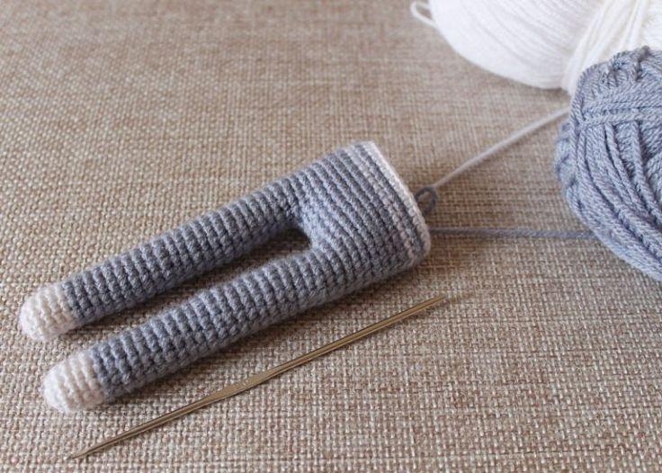 Long-legged amigurumi toys - crochet pattern