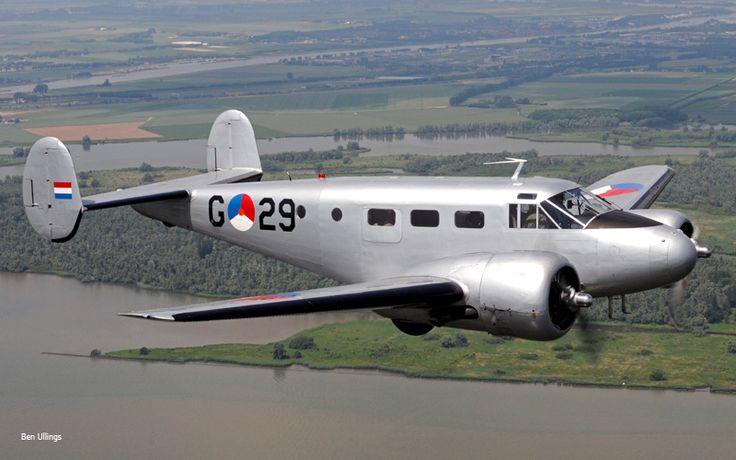 KLu Historische Vlucht :: Beechcraft D18S