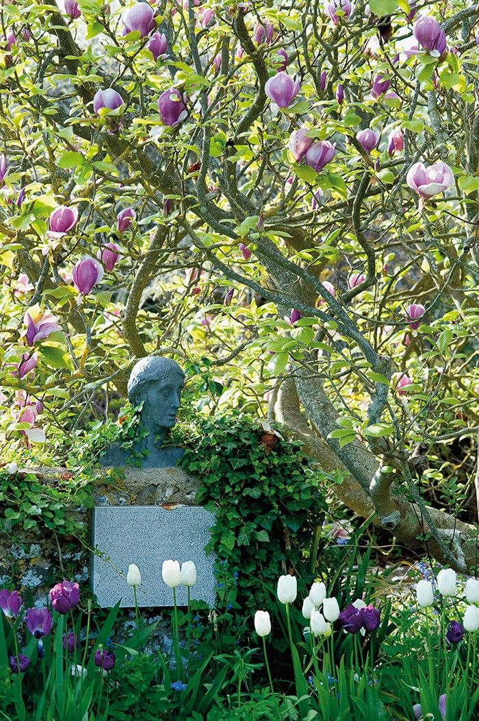 Bust of Virginia Woolf in the garden at Monk's House (Virginia and Leonard Woolf's house)