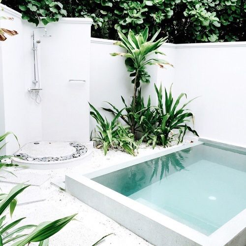 shower and pool pinned by barefootstyling.com TAO OF SOPHIA
