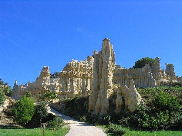 Un air de Cappadoce (Turquie) aux Orgues d'Ille-sur-Têt (Pyrénées-Orientales)