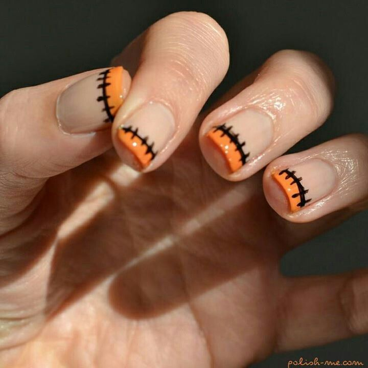 Halloween mani, love but instead of orange i would do green or purple:
