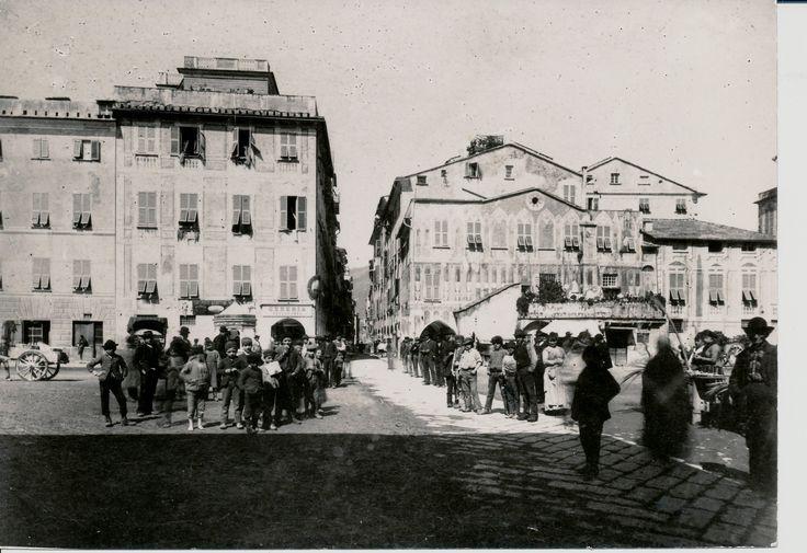 Titolo originale della fotografia: Ciassa de Carrozze e ...