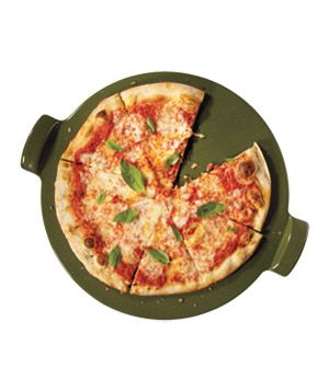 20 Holiday Hostess Gifts: Pizza Stone