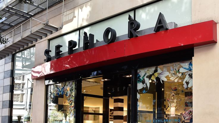 Sephora offers free makeup classes, who knew