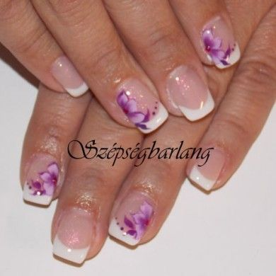 francia műköröm lila akril virággal