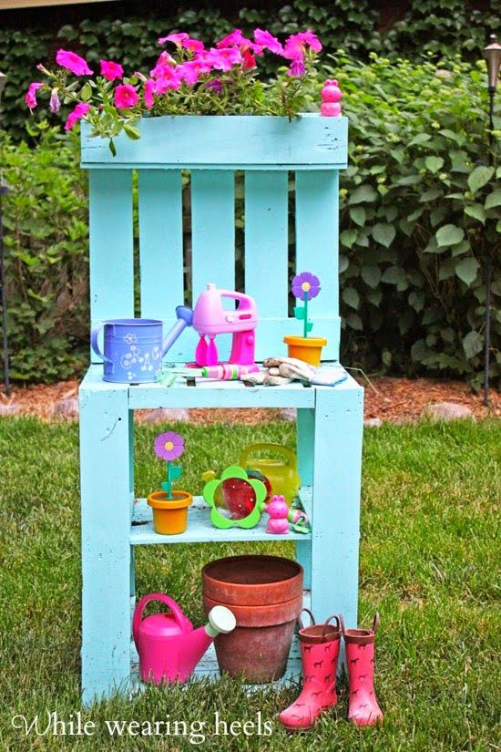 WELCOME SUMMER - 5 ways to recycle pallets in the garden