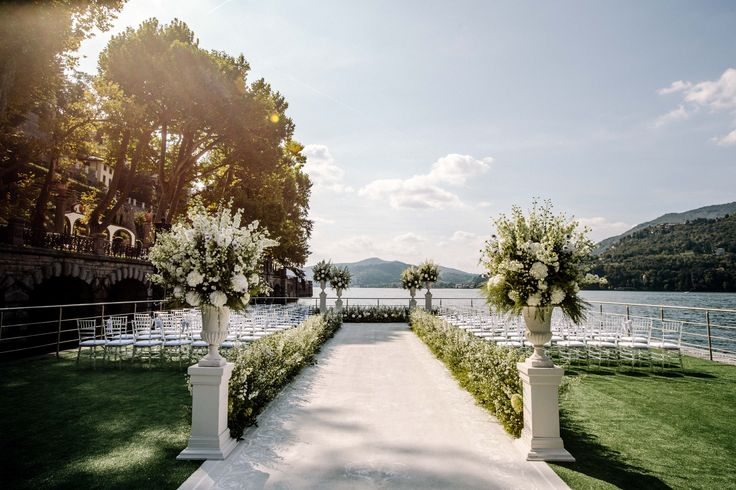 Looking for a truly special place where to make promises of eternal love to your soul? Choose CastaDiva Resort & Spa to celebrate your wedding reception  and you will feel like immersed in a world of gracefulness and happiness. Pic credits:  Wedding Planner: SposiamoVi - http://sposiamovi.it Flowers: Tearose - http://www.tearose.it Photography 1: Rebecca Goddard for Reel Love Films - http://www.reellovefilms.co.uk Photography 2: SposiamoVi - http://sposiamovi.it