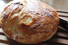 Dette brød serverede min veninde til hendes fødselsdag. Det er virkelig et lækkert brød og så er det bare så nemt at lave. Det kræver, a...