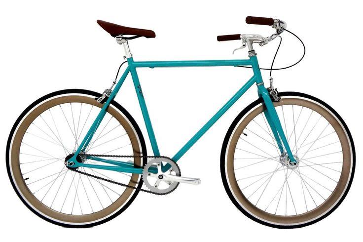 Pepita Lanai Fixie Fiets   Frame en voorvork: Steel 1 1/8 TIG gelast.  Bottom Bracket: 68 x 103 mm. sealed.  Crankset: 1170 mm. 44D.  Pedalen: Alloy Crown met reflectoren.  Naaf: Aluminum sealed flip flop.  Wielen: Aluminum low profile wheel flip flop 700C met remrand.  Banden: CST 700x23C (90 P.S.L 6.3bar 630KPa).  Ketting: KMC.  Zadel: PU soft rigid plastic base en stalen rails.  Stuurpen: Chromium alloy clamp 25.4 mm.  Remmen: Alloy hendel en brug. Over Pepita Pepita is een klein Spaanse…