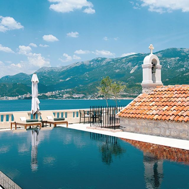 My personal favorite pick from our 20 Hottest Hotel and Resort Pools: The Aman Sveti Stefan in Montenegro. Even better than the pool is the private-island resort's beach club, located across a bridge on the mainland. See story at https://shar.es/1JO1ND. @RobbReport @Aman #privateisland #pool #swimmingpool #montenegro #svetistefan #luxuryresort #summerpool #aman #robbreport