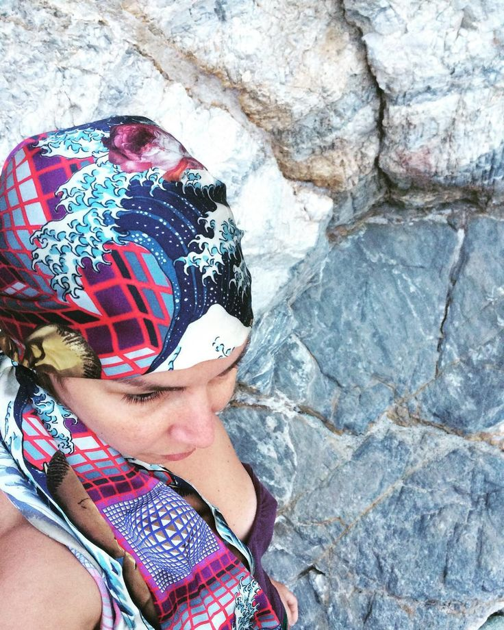 My fashionable hair turban is a vivid meta-modern synthesis of elements from masterpieces of Brancusi Hokusai and Vasarely #HERSE #fashionable #fashionstories #summerstories #luxuriousscarves #luxuriousfabrics #insideamuse #limitededition #collectible #artwear #turban #howtowearascarfwithstyle #milan #parma #capri #mykonos #athens #london #venice #crete