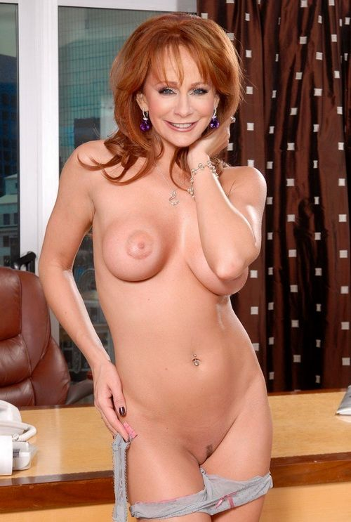 naked pics of stephanie macman
