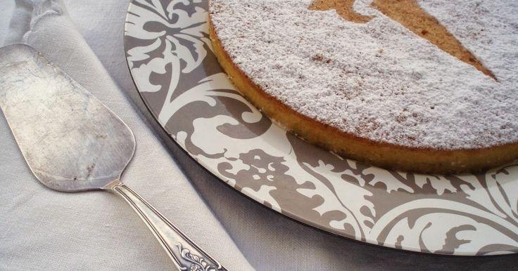 La tarta de Santiago es una tarta increíble, parece mentira como,  con tan solo 4 ingredientes, se puede conseguir un bocado tan ...