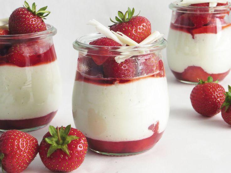 Hvid chokolademousse med jordbær
