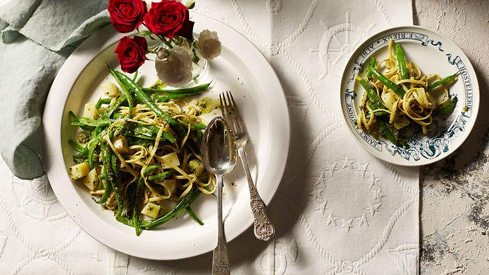 Trenette with pesto, potato and green beans recipe : SBS Food