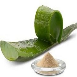 Aloe Vera Powder Uses: Mix with distilled water to: tame flyaways on dry hair, detangle wet hair & to remove eye makeup. Mix with coconut milk creamer for shaving gel & aftershave and burn salve. Use as a homemade toothpaste thickener. Add to melt and pour body bars and shave soaps for glide. Mix with distilled water and calendula & lavender extracts for natural sunburn relief. Photo from hellotrade.com Photo from hellotrade.com