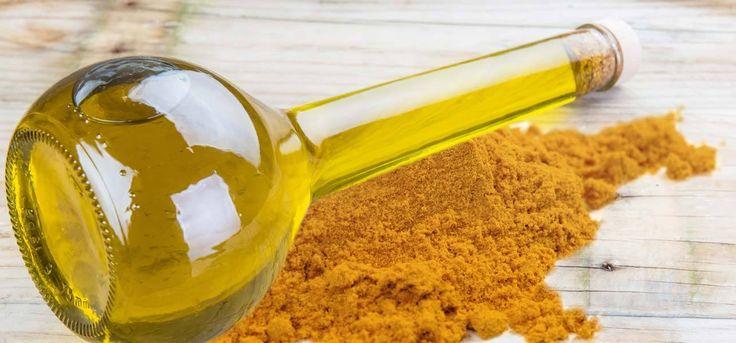 Η κουρκούμη περιέχει κουρκουμίνη, που είναι μια αντιαλλεργιογόνος ουσία. Η κουρκουμίνη ενισχύει την αντίσταση του δέρματος στις αλλεργίες και βοηθά στην αποβολή τοξινών.