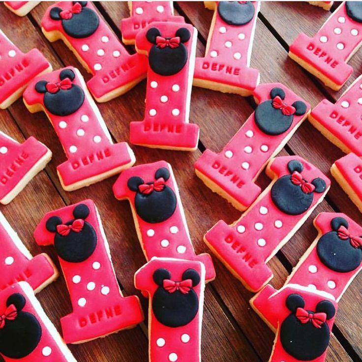 🎀Özel Tasarım Kurabiyelerimiz🎀 ☎️Sipariş ve bilgi için WhatsApp 0553 217 35 08☎️ #cookie #cookies #butikkurabiye #sevgiliye #özel #aşk #aşkpaketleri #baskılıkurabiye #yıldönümü #gelin #damat #babyshower #doğumgünü #1yaş #hediye #hoşgeldinbebek #şekerhamuru #butikpasta #gönülalma #nişankurabiyesi  #özelgünler #kampanya #kişiyeözel #kurabiyesipariş #kutlama #istanbul #ankara #izmir #bursa #kurabiyeniseç