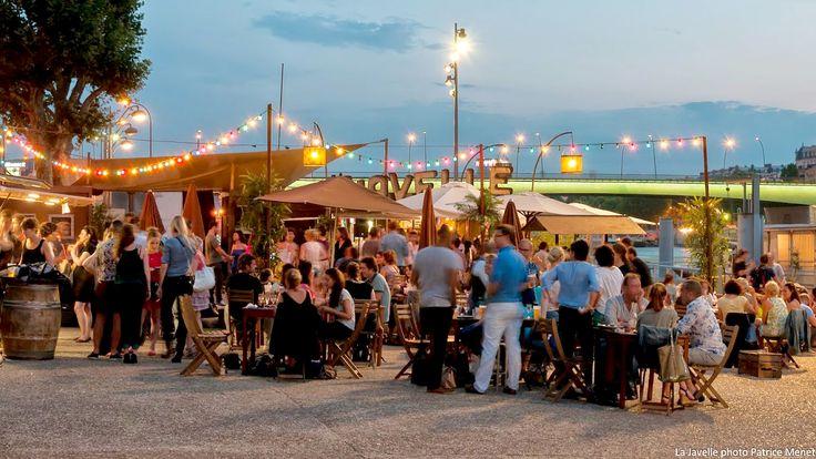On y mange, on y boit et on y danse... La Javelle Port de Javel Bas, 75015 Ouvert tous les jours de midi à minuit