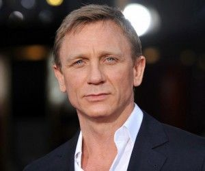 Daniel Craig Hairstyle, Makeup, Suits, Shoes and Perfume.