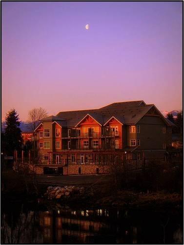 Courtenay, BC  Old House Village Hotel & Spa (had a wonderful massage here!)