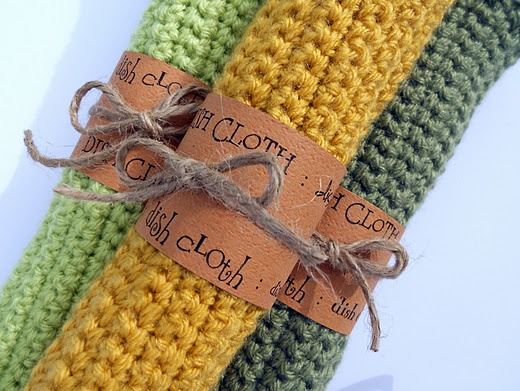 Dishcloth tutorial -- I love how these are wrapped. Maybe make some dishclothes and we could wrap them and put them as towels in the bathrooms?