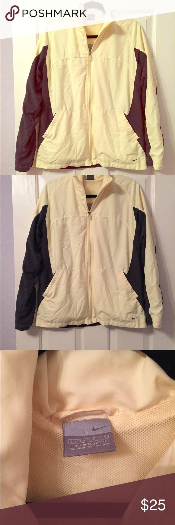 💕 NIKE 💕 Yellow & Gray Women's Nike Jacket Size L Yellow and Gray Nike Nike Jackets & Coats