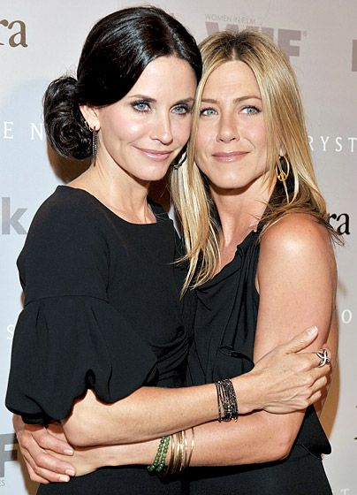 Jennifer Aniston and Courteney Cox BFF's