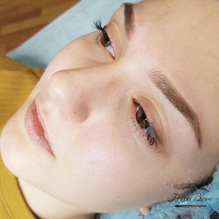 Если вам надоедает форма ваших бровей,нет времени краситься по утрам или просто хочется дать отдохнуть лицу летом, микроблейдинг- ваш лучший выбор. Процедура подразумевает введение пигмента под верхний слой кожимы вручную прорисовываем волосок ,чтобы создать максимально естественные брови ,которые невозможно отличить от натуральных. Это лучшая процедура ,чтобы скрыть мелкие недостатки: шрамики,залысинки и ошибки при предыдущей формы бровей…