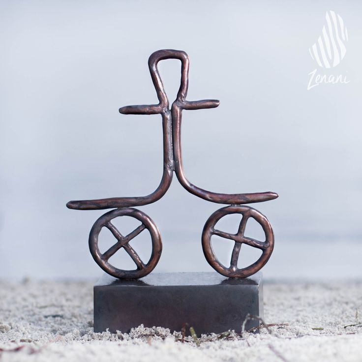 art photography, sculpture on the beach, Tina Hee, product photography
