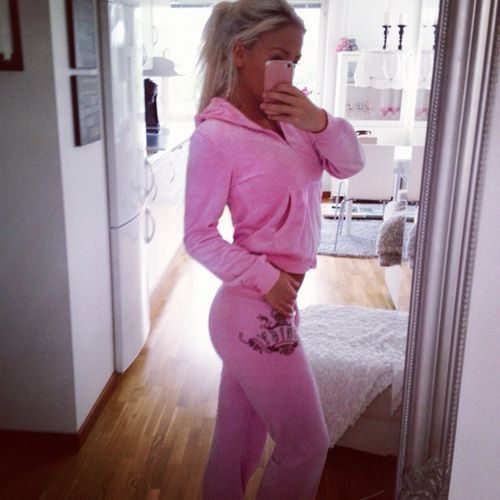 pinterest - @domeafavor23 everything pink ☺ Always wanted a Juicy Couture Tracksuit :(