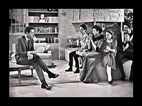 Judy Garland Christmas Special (1963) Full 1 hour with vintage commercials. In this charming live holiday TV special Judy is joined by her children, Liza Minnelli and Lorna and Joey Luft, and guest stars Jack Jones and Mel Torme.