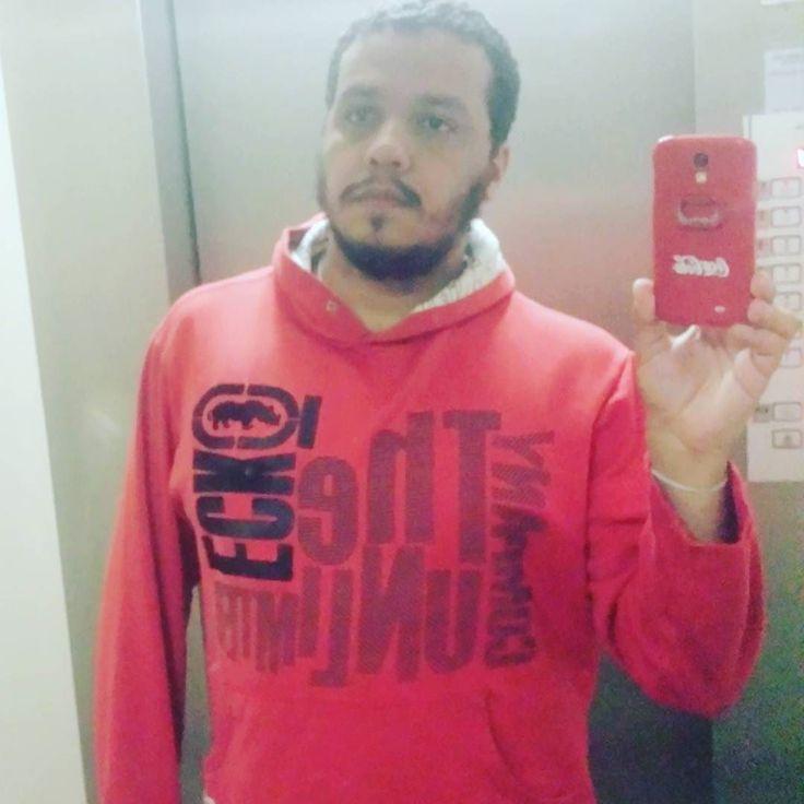 Para dias chuvosos... ...foto no elevador pode. Bom dia!  #Dia  #Chuva #BomDia  #ChuvaBH  #DeQuinta