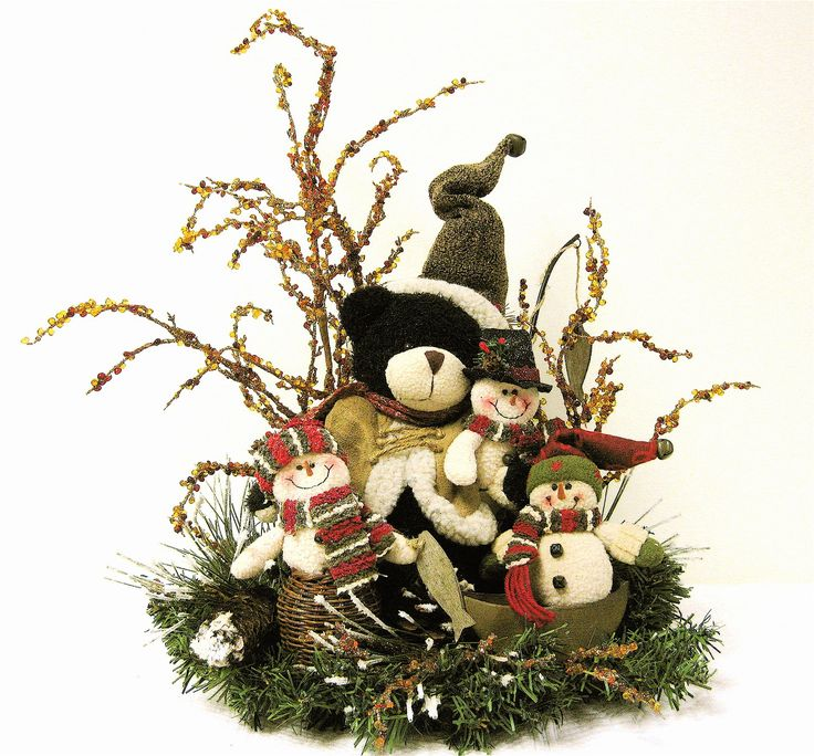 Christmas Centerpiece Baskets : Best christmas floral designs images on pinterest