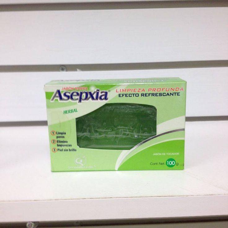 Jabon Asepxia Herbal, un jabón con la combinación exacta de activos para lograr una piel perfecta con mejor aspecto. Su uso puede ser favorable en casos de acné con piel grasa, gracias a sus extractos herbales
