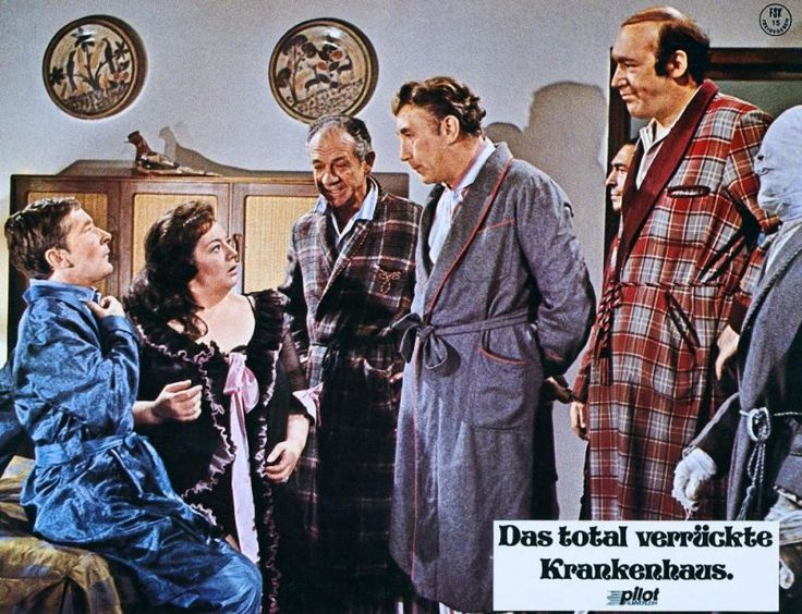 Kenneth Williams, Hattie Jacques, Sidney James, Frankie Howerd and Bernard Bresslaw. Carry On Doctor. 1967