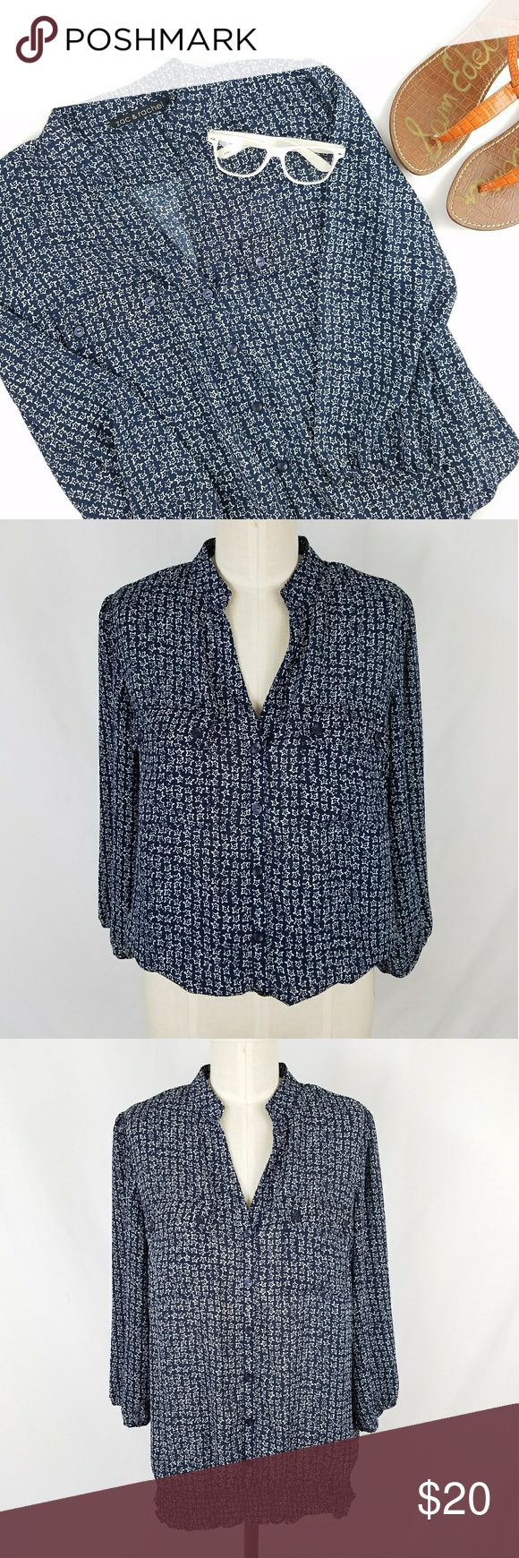 Zac & Rachel Star Print Blouse Top ✴20% OFF BUNDLES OF 3 OR MORE✴ 100% polyester  V-neck with faux button closure down front  2 functional chest pockets Smocked elastic waistband  Gathered cropped sleeves Excellent gently used condition!  PLEASE READ CLOSET INFO AND POLICIES POST Zac & Rachel Tops