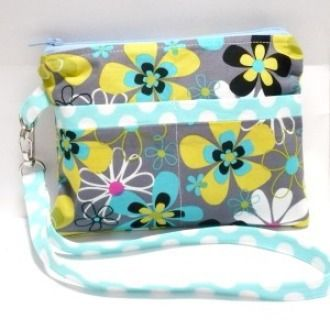 Fabric Wristlet with exterior pockets   YouCanMakeThis.com