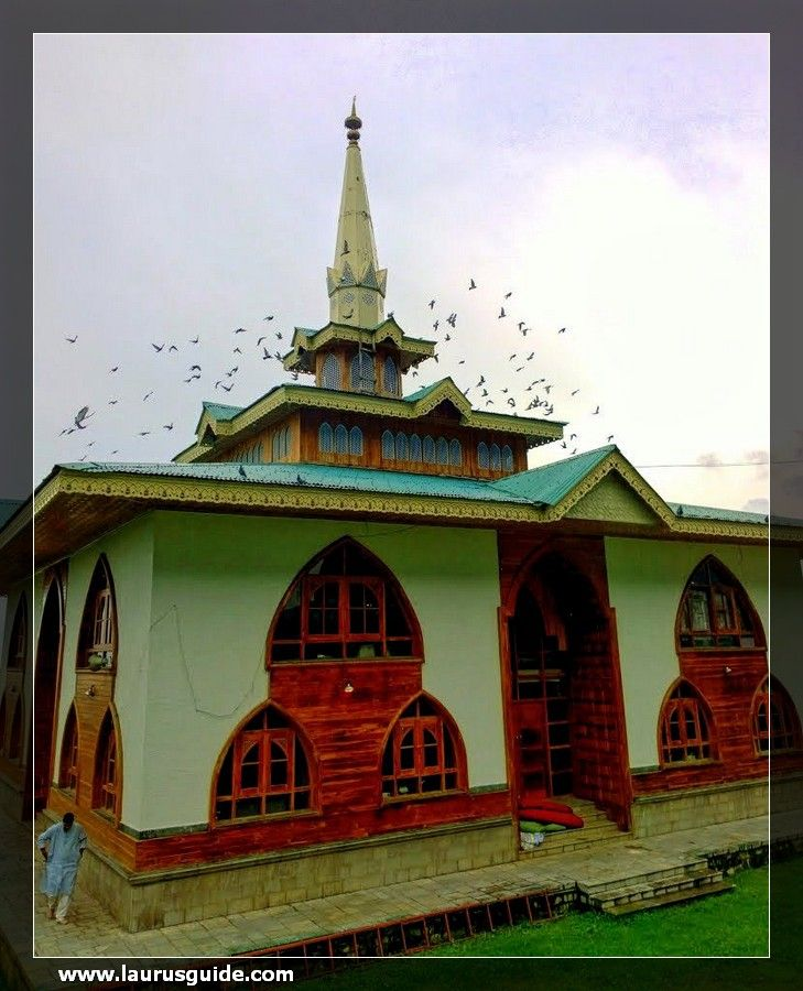 Baba Reshi Shrine, dedicated to the saint, Baba Reshi, is a mosque dating from 1480. Saint Baba Reshi was a Muslim scholar, who served as a major courtier during the reign of King Zain-ul-Abidin, King of Kashmir.  This religious building displays a mix of Persian and Mughal architectural designs. It is also famous for its internal wooden works of unique style, which beautifies the tomb.