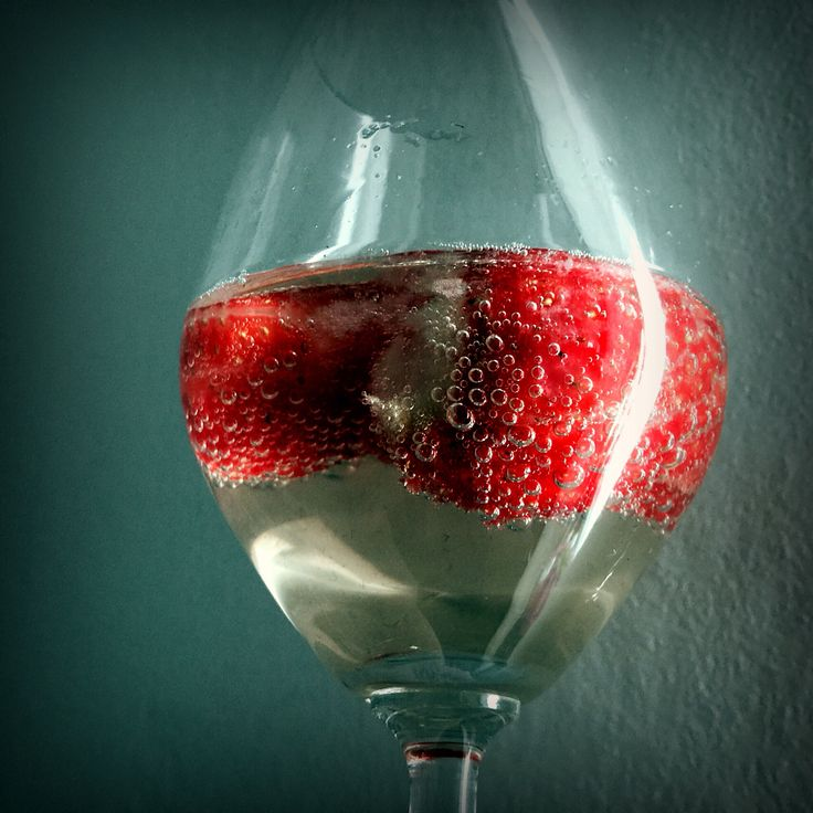 Strawberries and sparkling wine