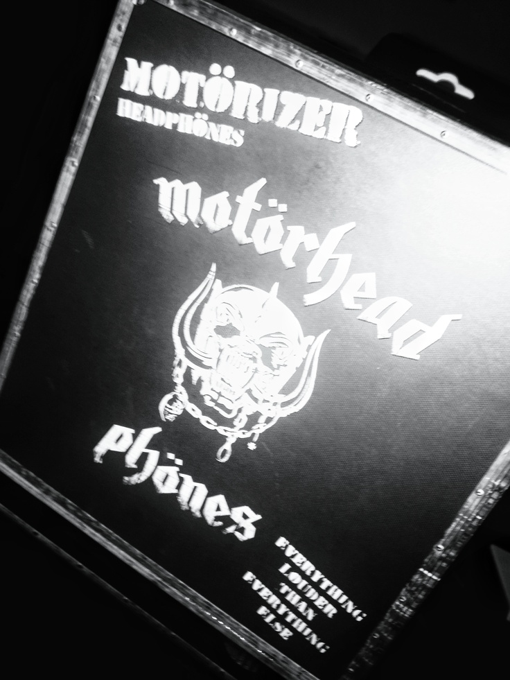 My new #motörheadphones are supercool!!! #heavymetal is the law!