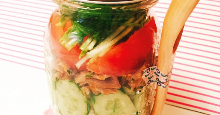 ジャーサラダ弁当 普通のサラダではなく、お米を使ったランチで、満腹でヘルシーです!