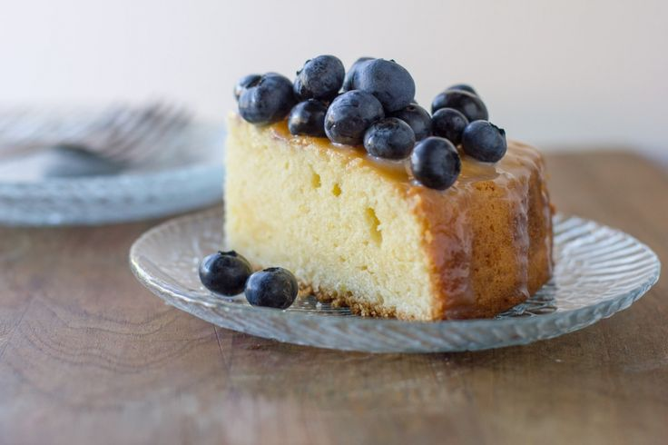 The Perfect Last-Day-of-Summer Cake // Lemon Sour Cream Sponge with Yogurt Glaze + Fresh Blueberries