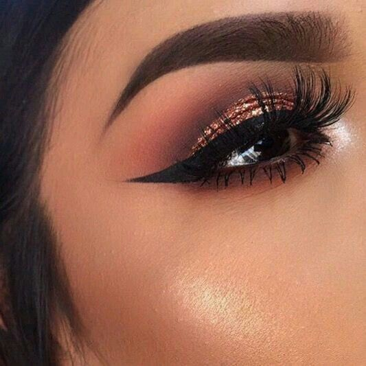 Wedding Makeup Winged Eyeliner : 1000+ ideas about Glitter Eye Makeup on Pinterest ...