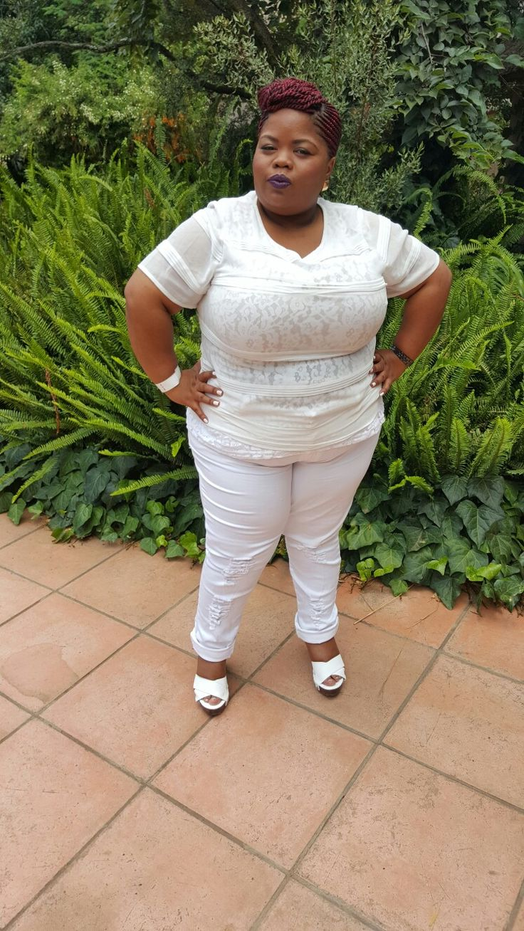 Tried all white and loved it  ... styled by Molebo