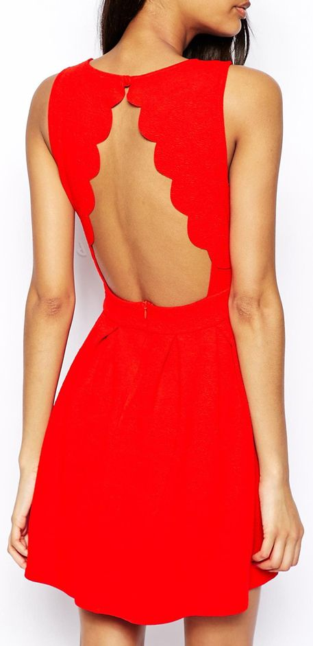 Red scallop back dress //